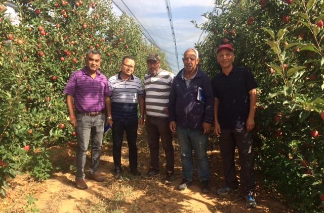 Visite de Dr Bikash Das (1er à gch) au CRRA Meknès
