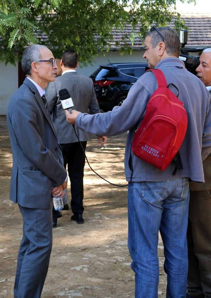 Dr Faouzi Bekkaoui (Directeur INRA) donnant une déclaration à la télévision nationale Al Aoula